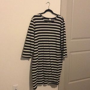 NWT Old Navy black and white striped dress